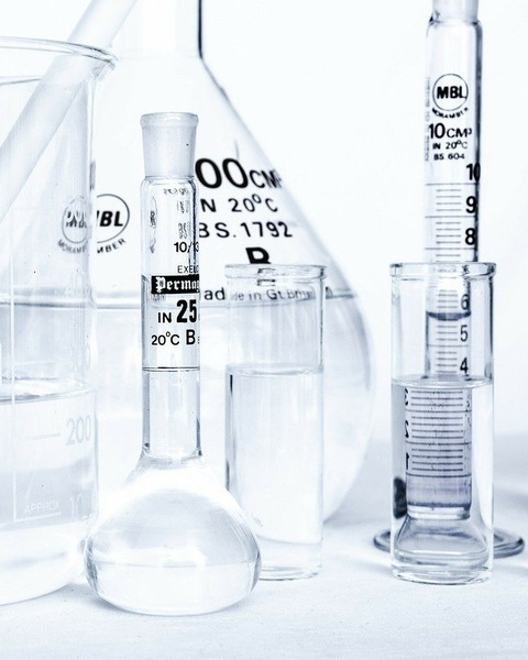 Test tubes and other glass containers of different sizes